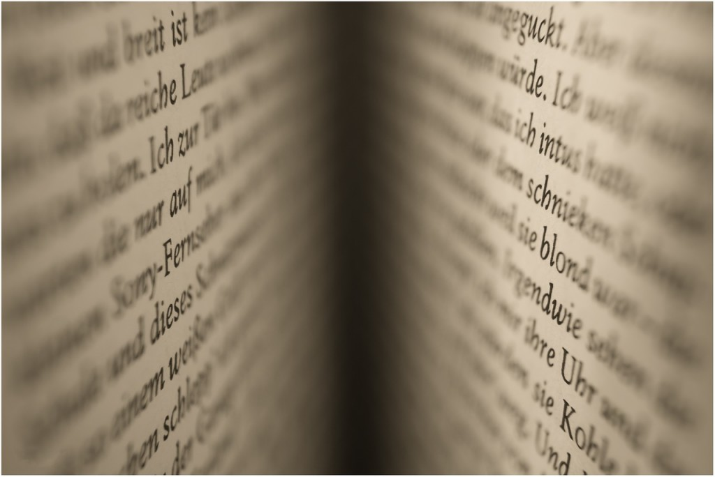 book-641408_1280