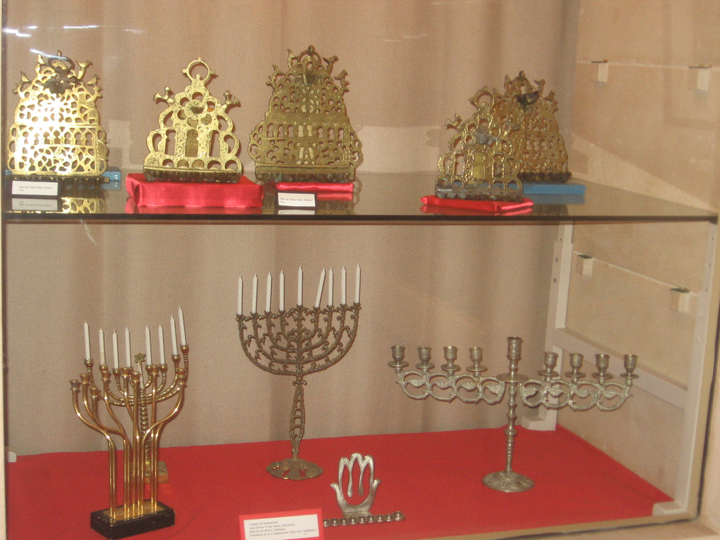 Do you know how is Hanukkah celebrated around the world? Click here to find out!